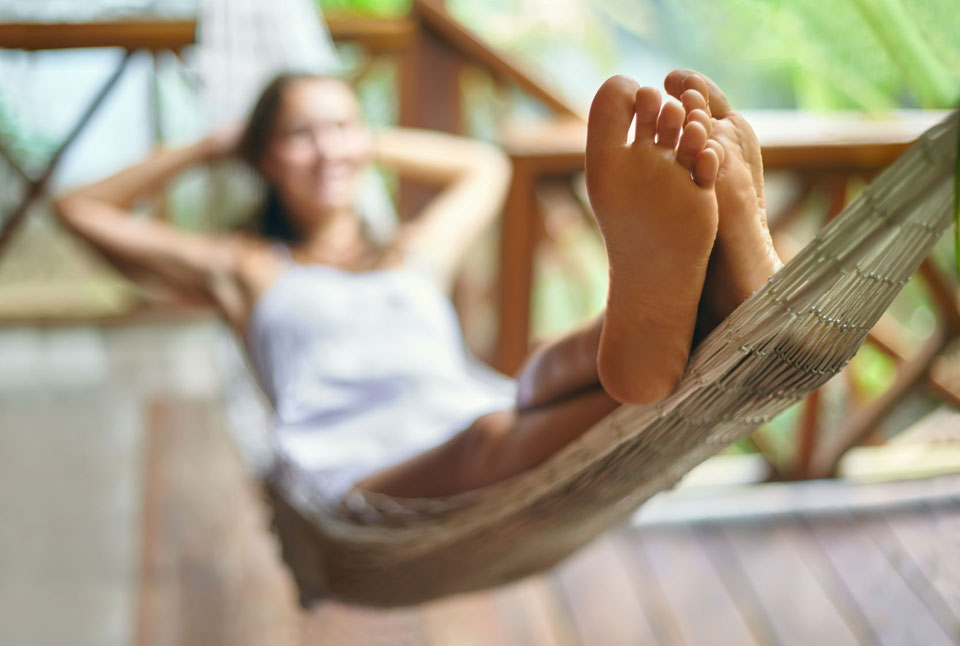 How To Cure Smelly Feet Naturally
