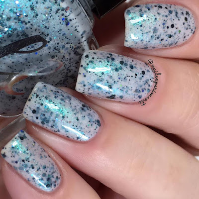 Femme Fatale Winterking swatch from the Fire Lily collection