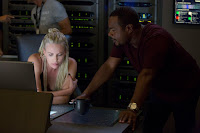 Charlize Theron and F. Gary Gray on the set of The Fate of the Furious (5)