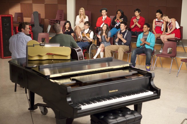 Glee - Season 1 Episode 22: Journey to Regionals