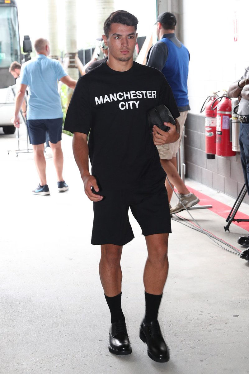 Manchester City's pre-match outfit is something else