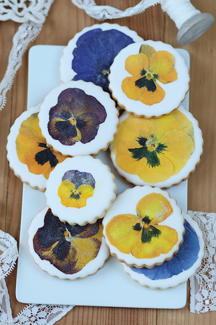 Galletitas con flores comestibles