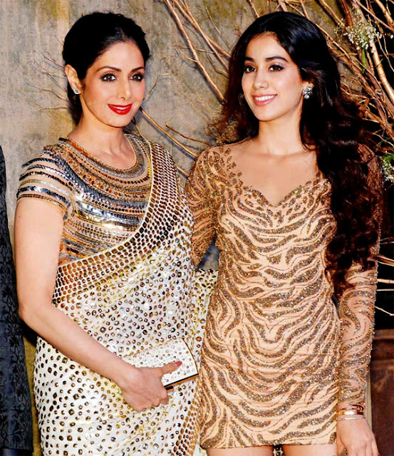 Janhvi Kapoor with her mother Sridevi