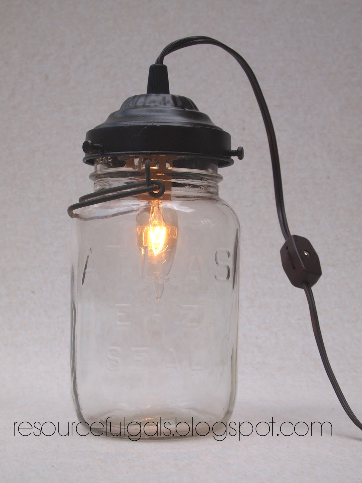 The Resourceful Gals: Mason Jar Lamp Tutorial