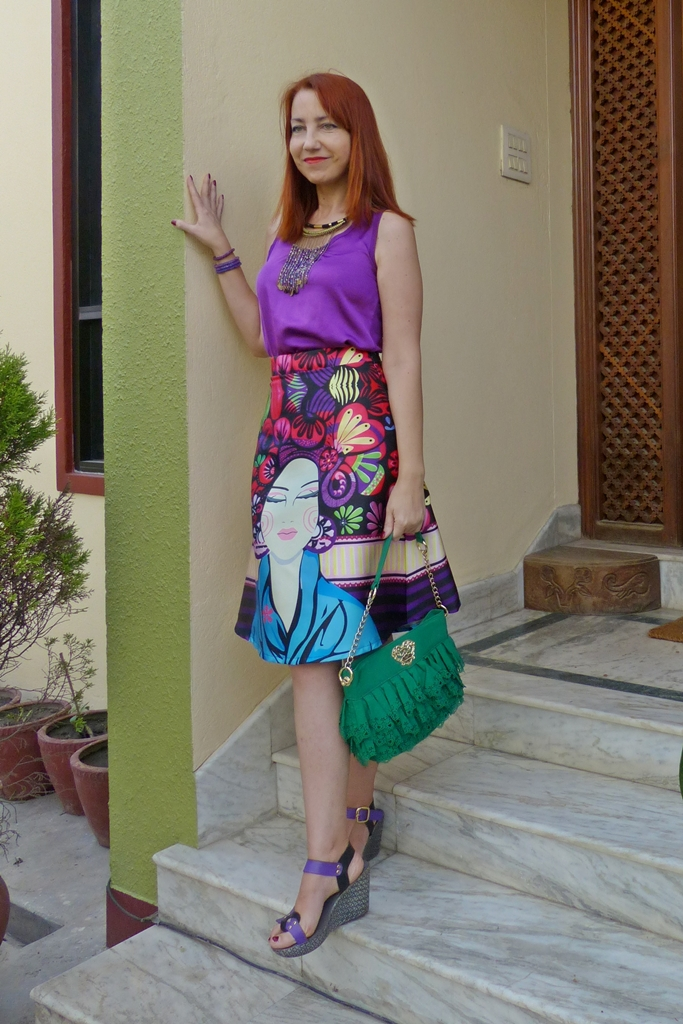 A-line lady face printed skirt