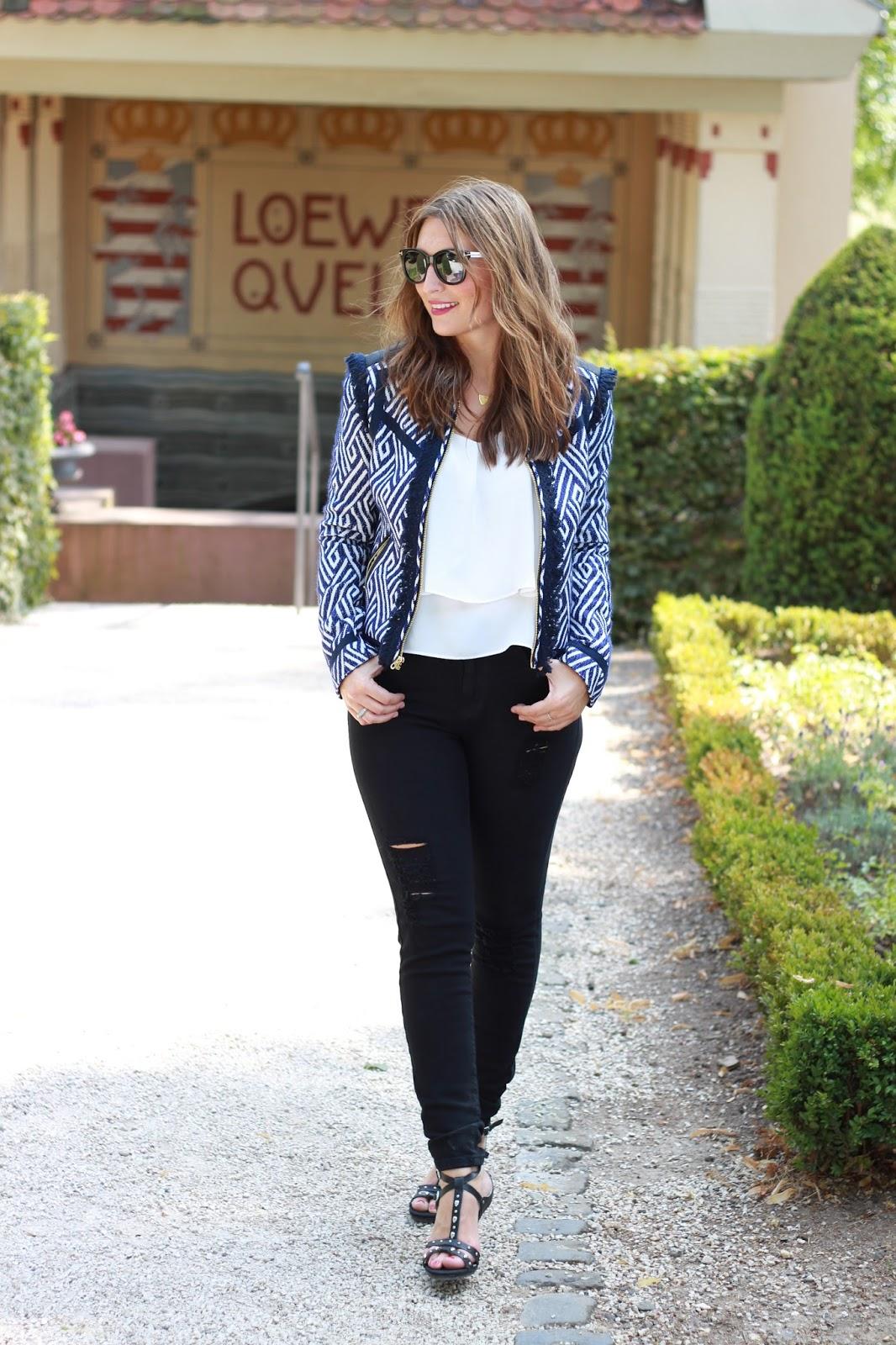 Blogger aus Frankfurt - Outfit inspiration Fashionblogger - Fashionblogger in ripped Jeans - Ripped Jeans Blogger - Replay Schuhe Blogger