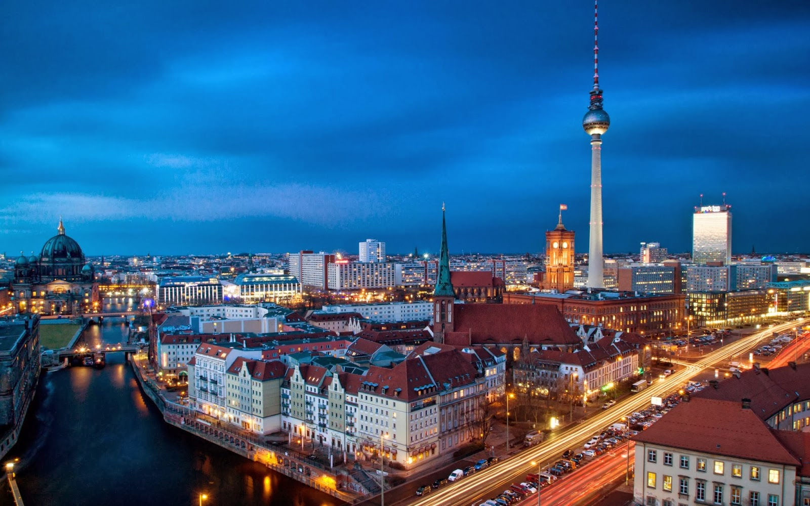Torre-Berliner-Fernsehturm-Alemanha-Berlim