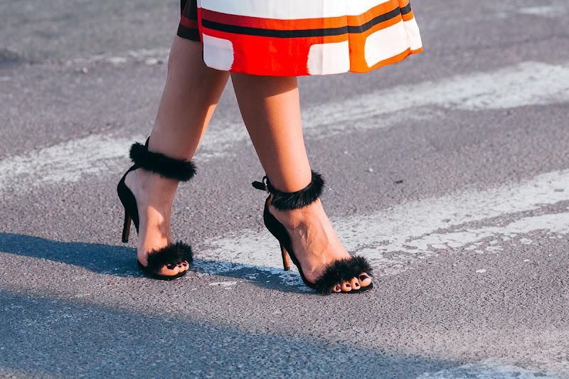трендовая обувь с мехом