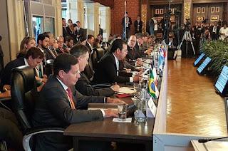 http://vnoticia.com.br/noticia/3521-mourao-sem-medidas-extremas-venezuela-pode-ser-pacificada