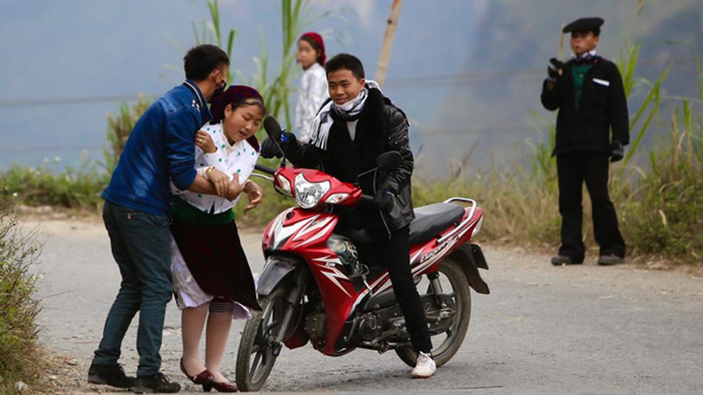Chủ tịch huyện Sa Pa lên tiếng vụ cô gái bị kéo váy, bắt về làm vợ chiều mùng 2 Tết