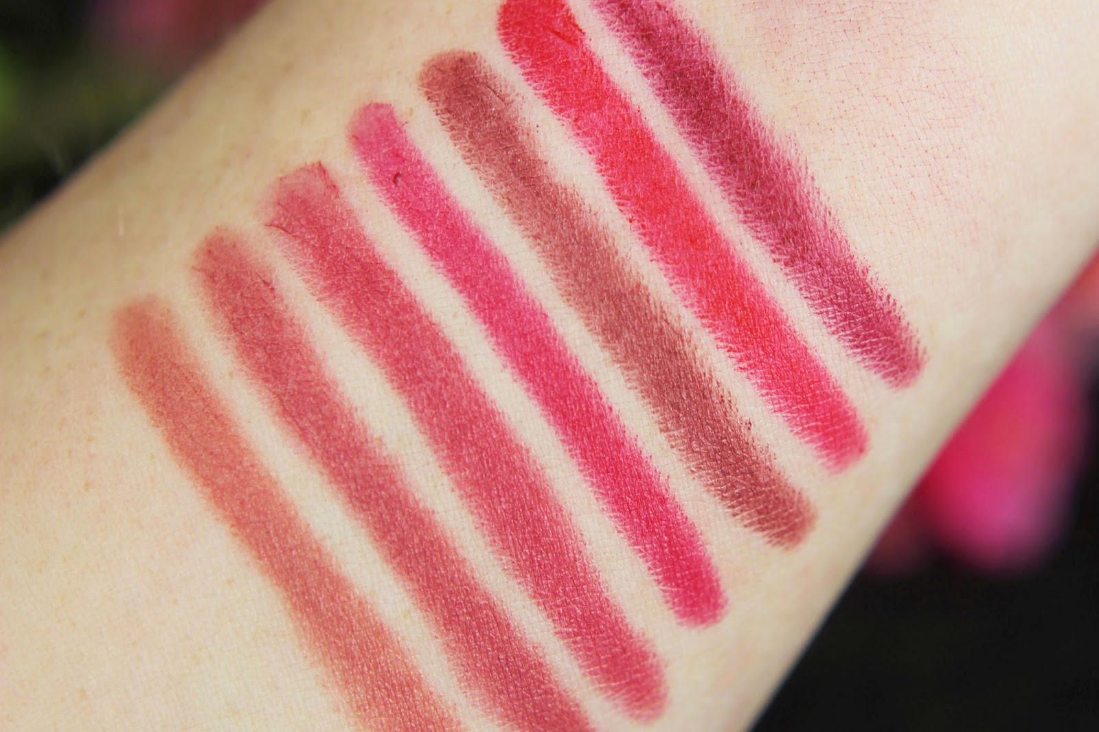 matt 6hr Lip Artist, catrice, review, swatches, tragebilder, herbst, 2016, neues sortiment, mattes finish, lippenstift, favoriten, trendfarben, nude, rot, rote lippen, ohne auszutrocknen, lipstick, drogerie, rosa,