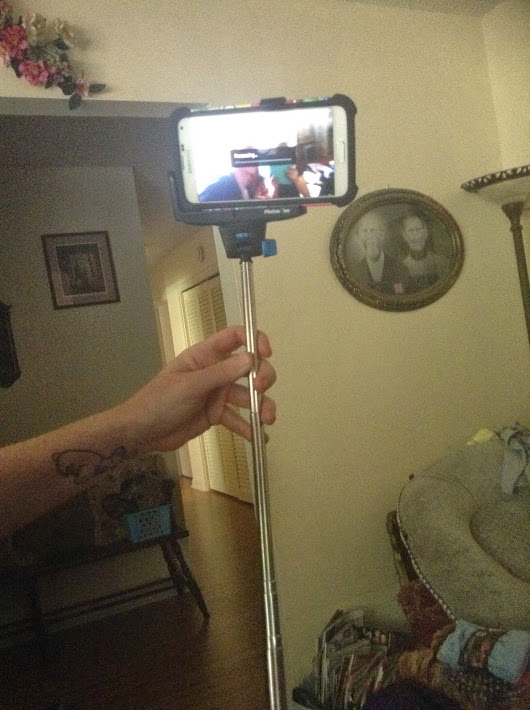 Selfie Stick Photo Bomb Review+Giveaway