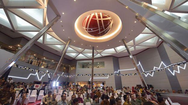 ULN swasta dinilai seorang ekonom, bisa 'berbahaya' karena tidak bisa dikontrol pemerintah - Foto: AFP / Tribun Medan