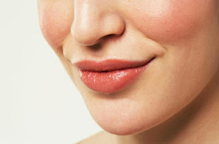 10 WAYS TO REMOVE BLACK IN LIPS TO LOOK RED FRESH - HEALTHY T1PS
