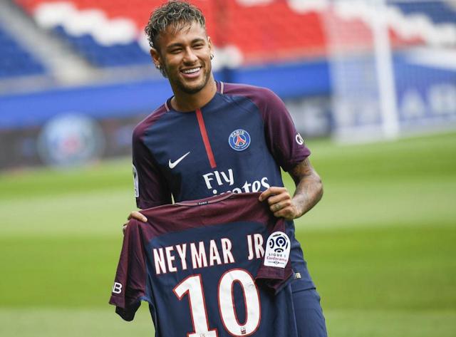 Neymar, Antara Uang dan Prestasi