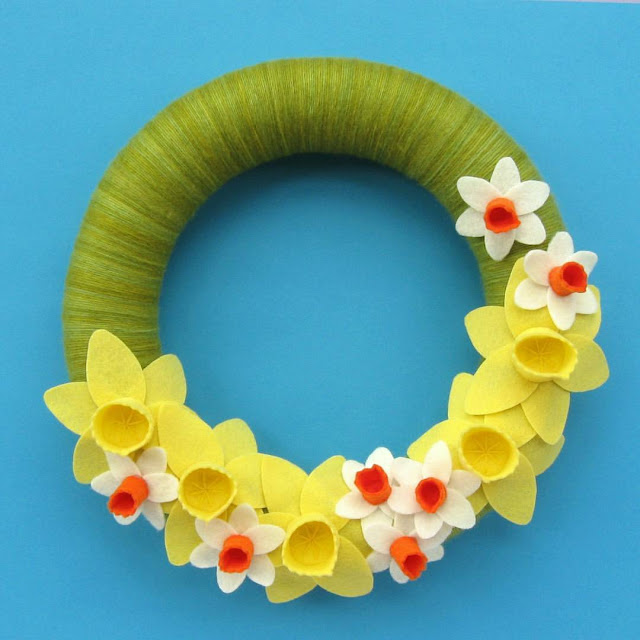 http://bugsandfishes.blogspot.co.uk/2017/03/a-year-of-wreaths-march-daffodil-wreath.html