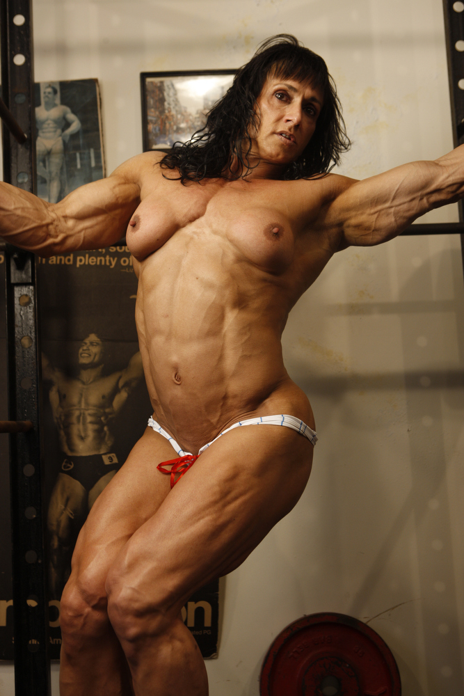 Hot Naked Female Bodybuilders