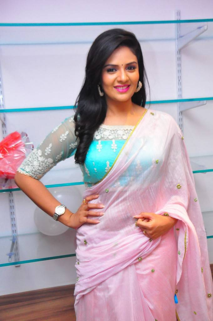 Anchor Srimukhi Stills In Pink Saree At Spa Launch