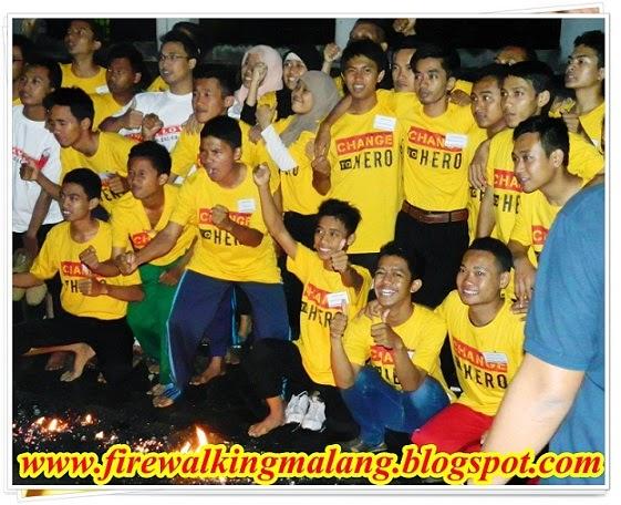 Firewalking Bersama Indosat Malang, www.firewalkingmalang.blogspot.com, 0341 5425754