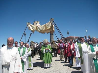 Resultado de imagem para bispo em santa helena tarouca