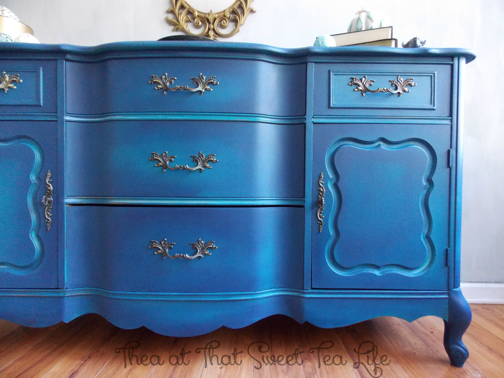 Blue Painted Furniture: Your Blended Paint Inspiration by That Sweet Tea Life | right offset | Shaded Furniture| How to create a blended Paint Furniture Finish | Blended Painted Furniture Ideas | Furniture Painting Tips | How to paint Furniture | Blending Blue Furniture Makeover | Layered Paint | Blended Painting | Dresser Makeover | Furniture DIY | #paintblending | #blendedpaintfinish | #blendedfurniturepaint