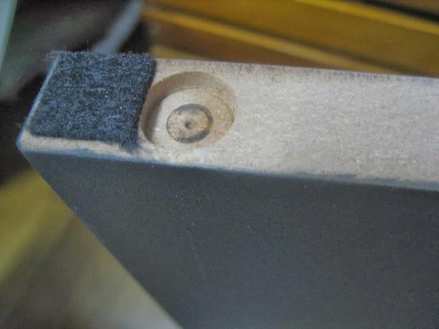 KORG SP-170S 専用スタンドの木口に貼り付けてあるクッション材