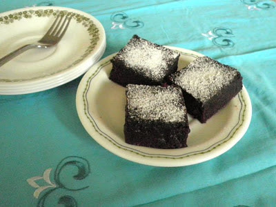 Yeasted Chocolate Brownies Eggless Recipe @ treatntrick.blogspot.com