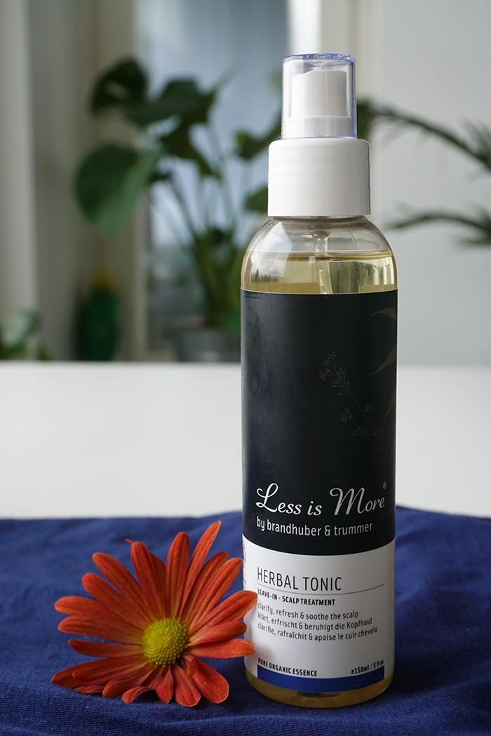 luonnonkosmetiikan tuotteita kuivalle päänahalle  less is more hiusvesi