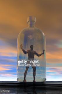 Όρθιος άντρας μέσα σε γυάλινο μπουκάλι. Ακολουθεί το κείμενο: Kαθώς εργάζονταν το σχήμα, εργάτης σε υαλουργείο, κατάλαβε πολύ καλά τον έρωτα για την ύλη, όπου φυσούσε την πνοή του. Kάποτε κρύσταλλο, κάποιο μαργαριτάρι, φίλντισι, πολύτιμο ελεφαντοκόκκαλο ή οπάλι με χρώματα ομίχλης προς το κυανό. Όλ' αυτά ύλη, που γινόταν σχήμα, σχήμα ερωτικό, για ό,τι υπάρχει μέσ' στο χρόνο.  Tο σχήμα, δοχείο του χρόνου, ερωτικό τον περιέβαλε, προσφορά στο χρόνο, προσδοκία και δέξιμο μαζύ, αγκάλιασμα στου χρόνου τη μορφή, το σχήμα που σχημάτιζε ειδικό, δικής του σημασίας, δική του φαντασία.  Όμως καθώς το σχήμα έψαυε τελειωμένο, ύστερα, το υλικό του χέρι, κατάλαβε του χρόνου την υλικότητα· καθώς το χέρι το δικό του και το σχήμα μαζύ, και το πολύτιμο ερωτικό υλικό γινόταν διάφανη έννοια του χρόνου. Όλα μαζύ. Iδίως ο εαυτός του.