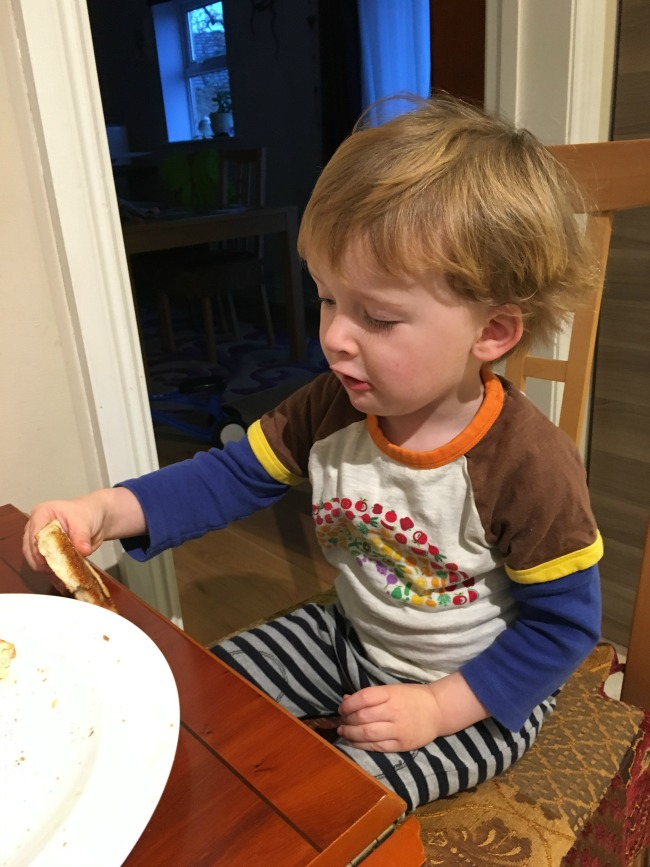 toddler-eating-toast