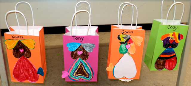 Puppy Valentine bags. My class of first graders made these super cute bags. I've included the template so you can make one too!
