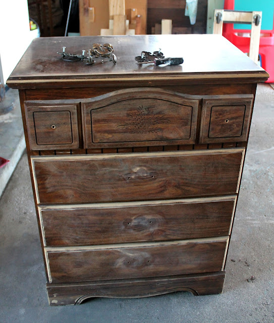 Thefurniture Com: ART IS BEAUTY: Revamping An Outdated Dresser ~Home Expert