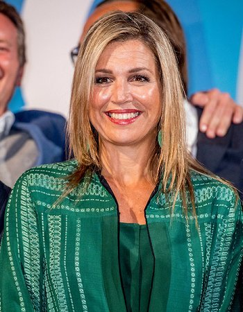 Queen Maxima wore Zeus+Dione Atlantis Silk-Blend Jacquard Maxi Dress, earrings by Dutch jewelery designer Mirian van Kampen