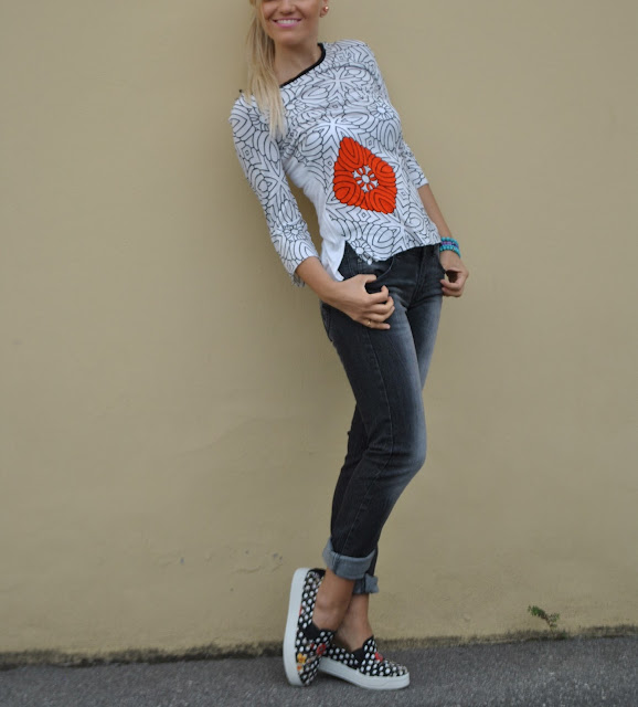 outfit t-shirt stampata felicia magno outfit casual printed t-shirt felicia magno