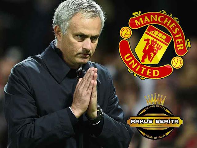 Mourinho Tak Janji Akan Setia Pada MU