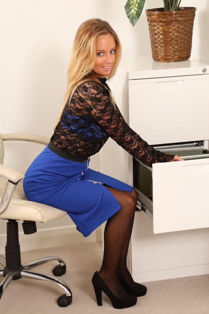 Brunette secretary glasses petite and slow blowjob hq teen sneaking