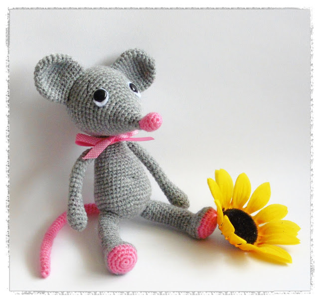 Amigurumi Patterns Free Mouse : Amigurumi Mouse-Free Pattern Amigurumi Free Patterns ...