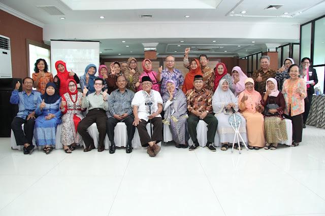 Jasa Video Shooting dan Foto Event Semarang HUBUNGI Bpk. Eko Novianto 0856.0003.0803 / 0856.4020.3369 (im3) /024 -764-844-13 (kantor) atau 0821.3867.4412 (simpati) | Ulang Tahun Pernikahan
