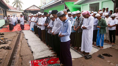 ရန္ကုန္က မူဆလင္ေတြရဲ႕ Ramadan ဥပုသ္လ