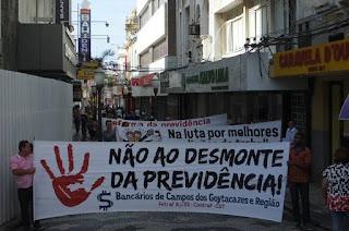 http://vnoticia.com.br/noticia/2438-bancarios-fazem-ato-em-campos-contra-a-reforma-da-previdencia