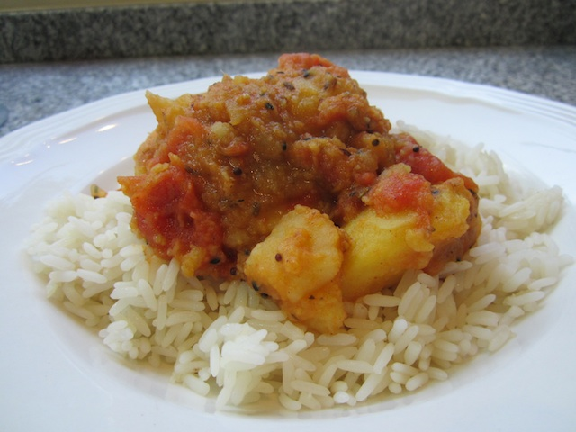 Food Lust People Love: My own fusion Burmese and Indian potato curry with tomatoes and lovely spices. It's my younger daughter's favorite! I hope it will be yours as well.