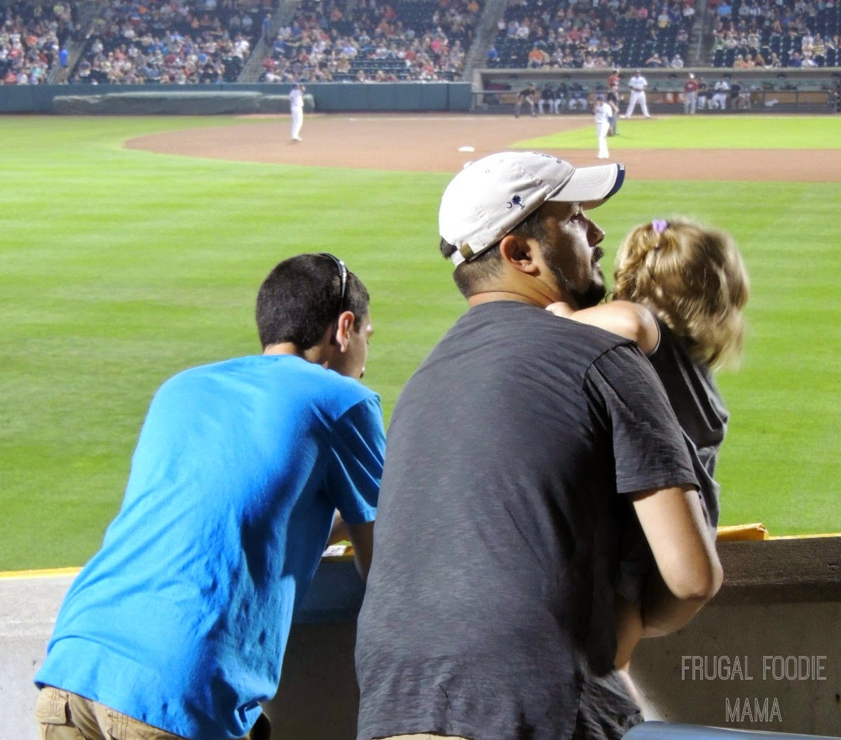 You can't go wrong with a budget friendly and Columbus Clippers game- Columbus, OH via thefrugalfoodiemama.com #familytravel