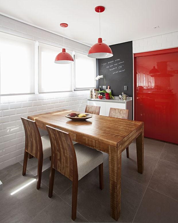 Suficiente Uma cozinha branca e vermelho - decoração e arquitetura! - Jeito  KL97