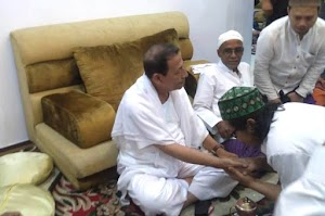 Tiba-Tiba Dibai'at Thariqah Habib Luthfi bin Yahya Pekalongan