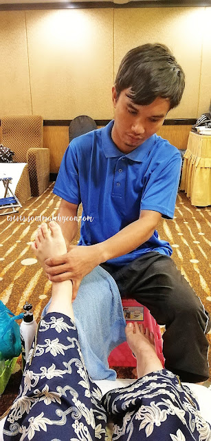 Earth Hour Special : Foot Reflexology In The Dark by Sabah Society For the Blind & Promenade Hotel Kota Kinabalu