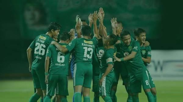 Persebaya Surabaya vs PS TNI