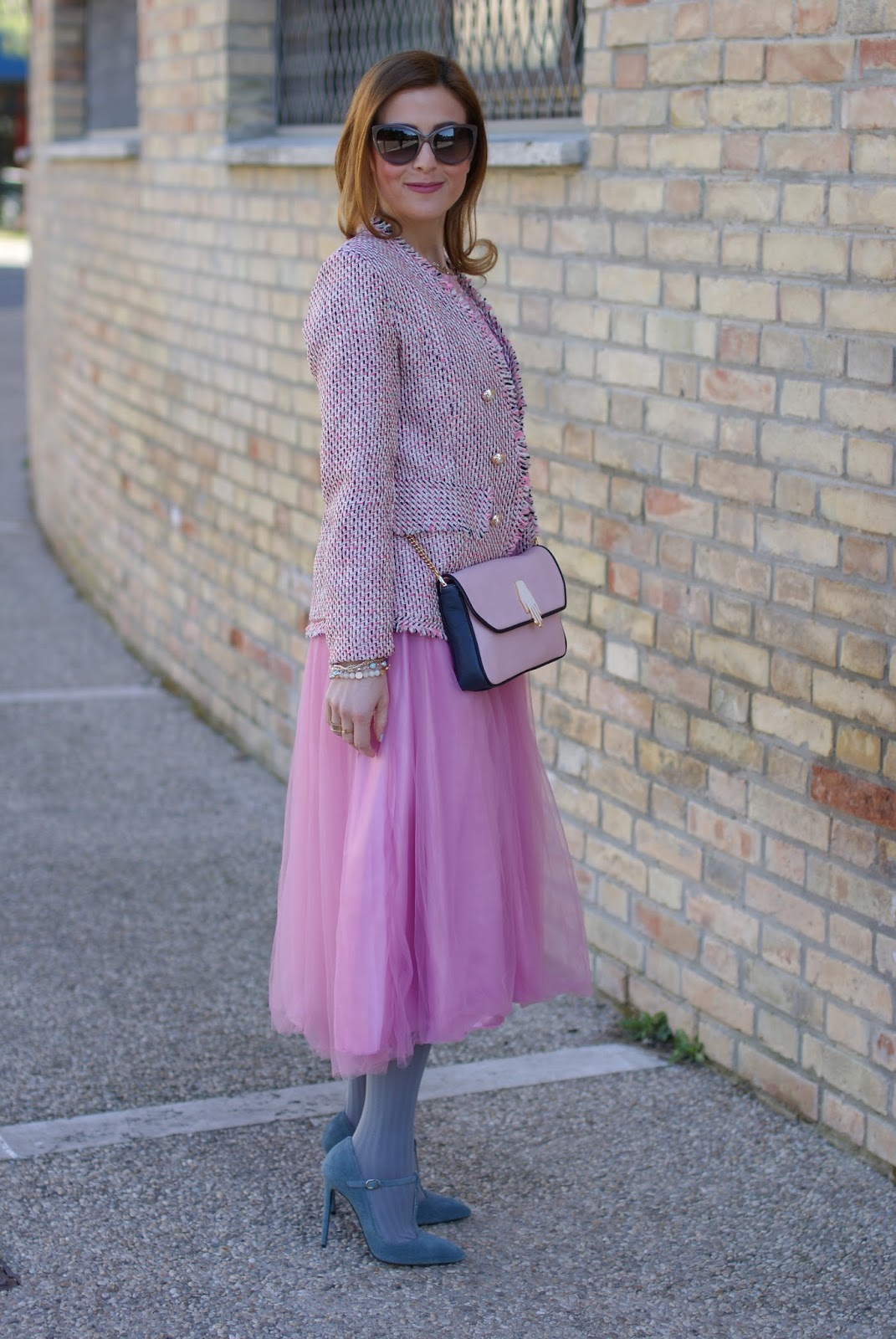 Pink midi tulle dress for a romantic outfit on Fashion and Cookies fashion blog, fashion blogger style
