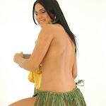 Andrea Rincon, Selena Spice Galeria 13: Hawaiana Camiseta Amarilla Foto 117