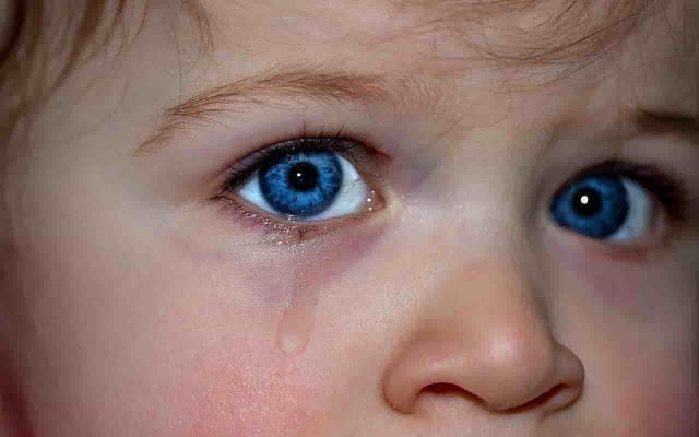 http://www.masrohman.com/2018/10/wajar-jika-anak-laki-laki-menangis.html