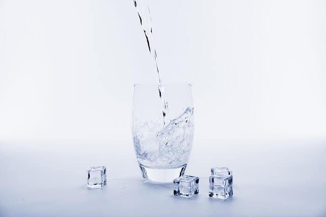 شرب الماء بشكل كافي